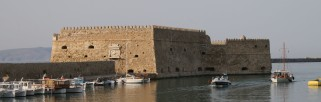 Venetian_fortress_in_the_harbour_-_Heraklion,_Crete